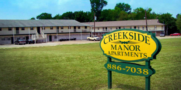 creekside apartments front